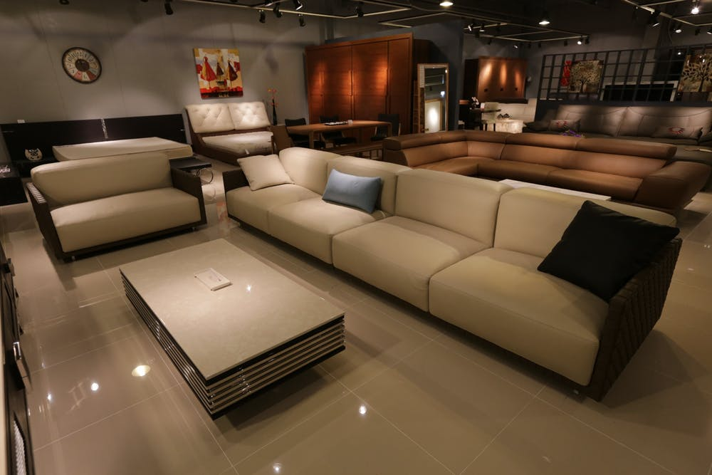 leather lounges store
